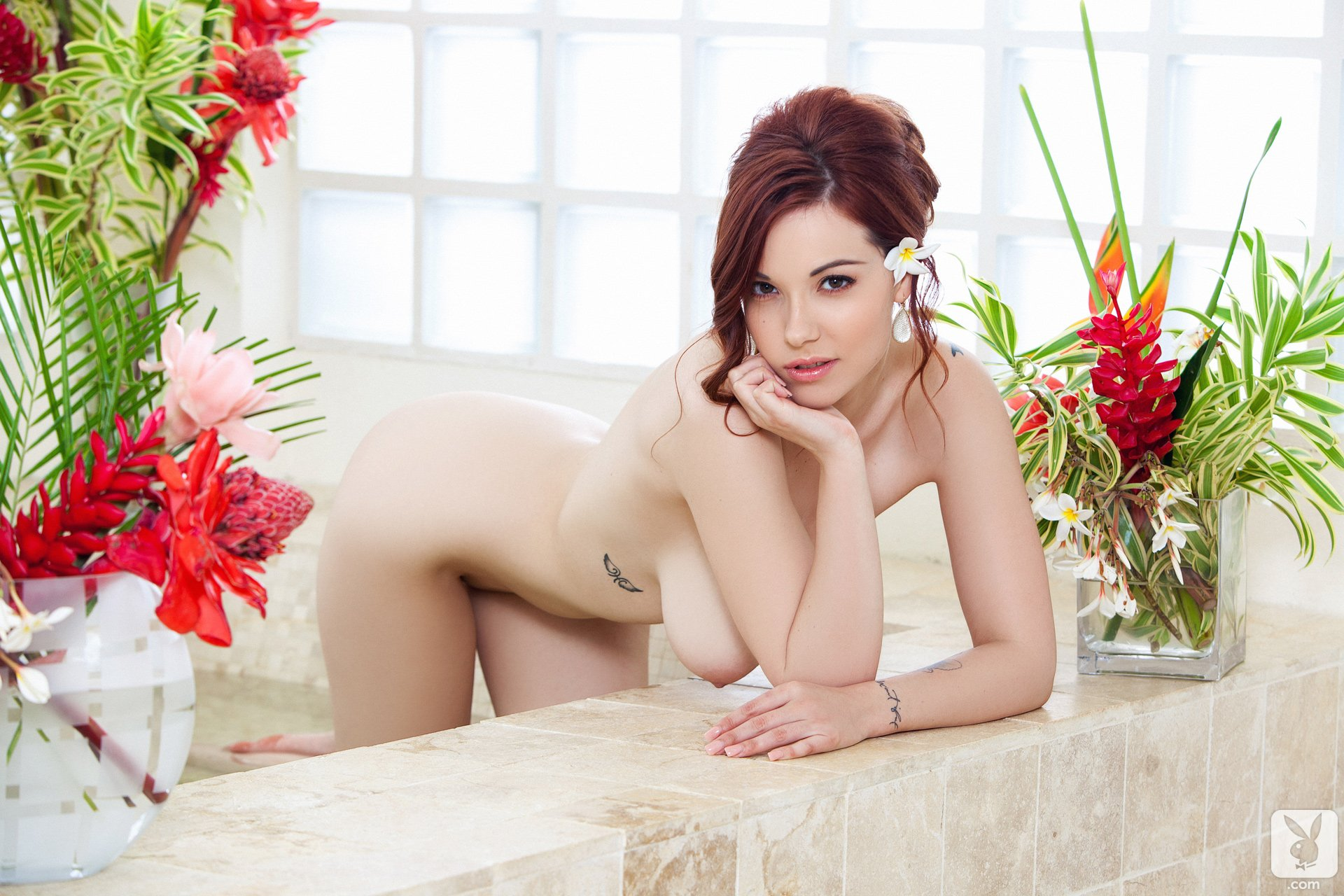 naked-girl-elizabeth