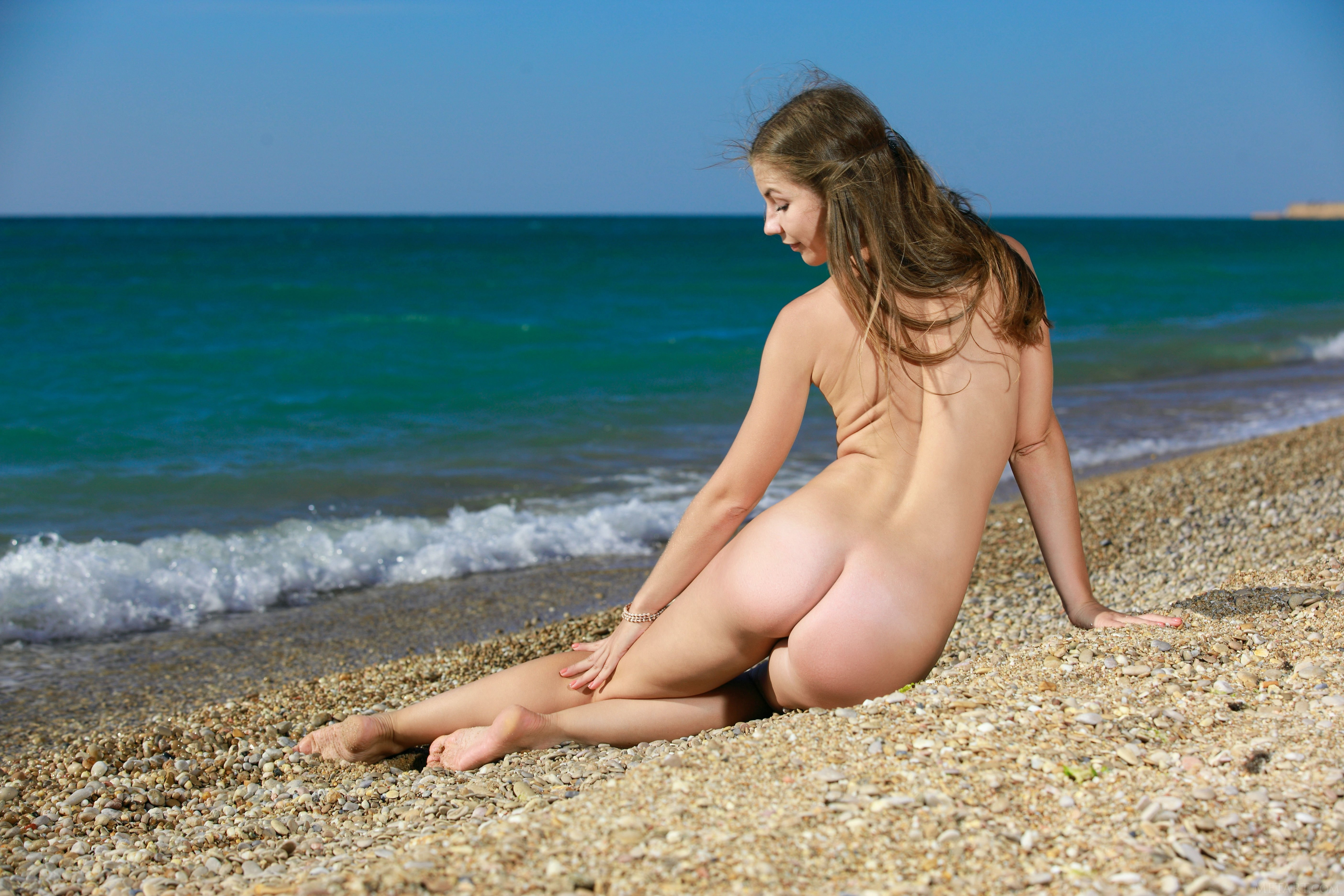 Sex videos sexy girl at nude beach images vergine pussy