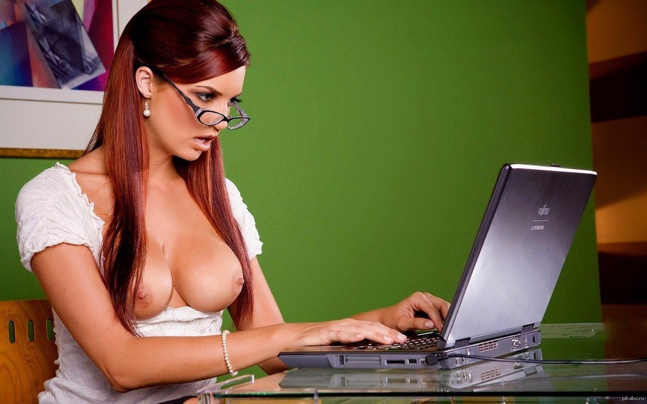 How To Appropriately Interact With A Female Sex Blogger