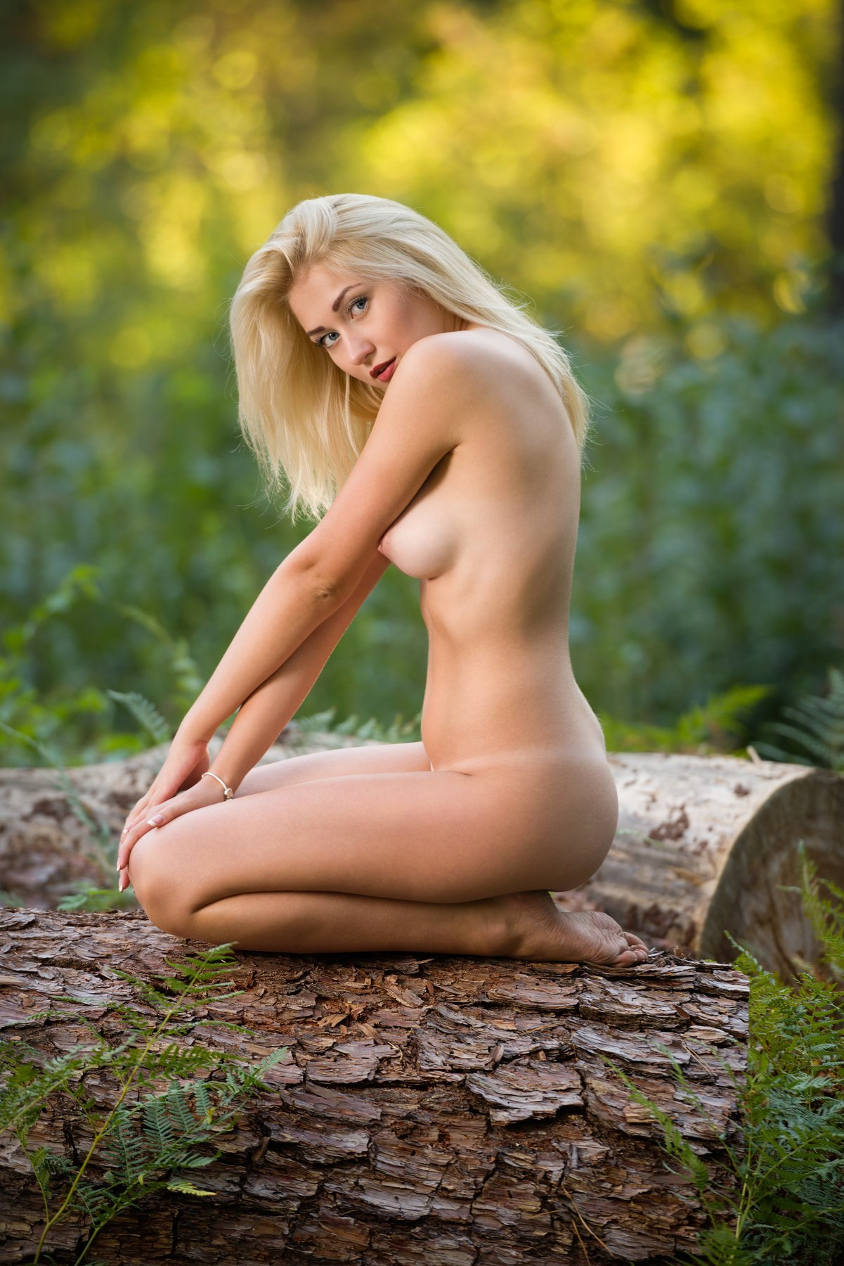 Free Nude Blondes Porn