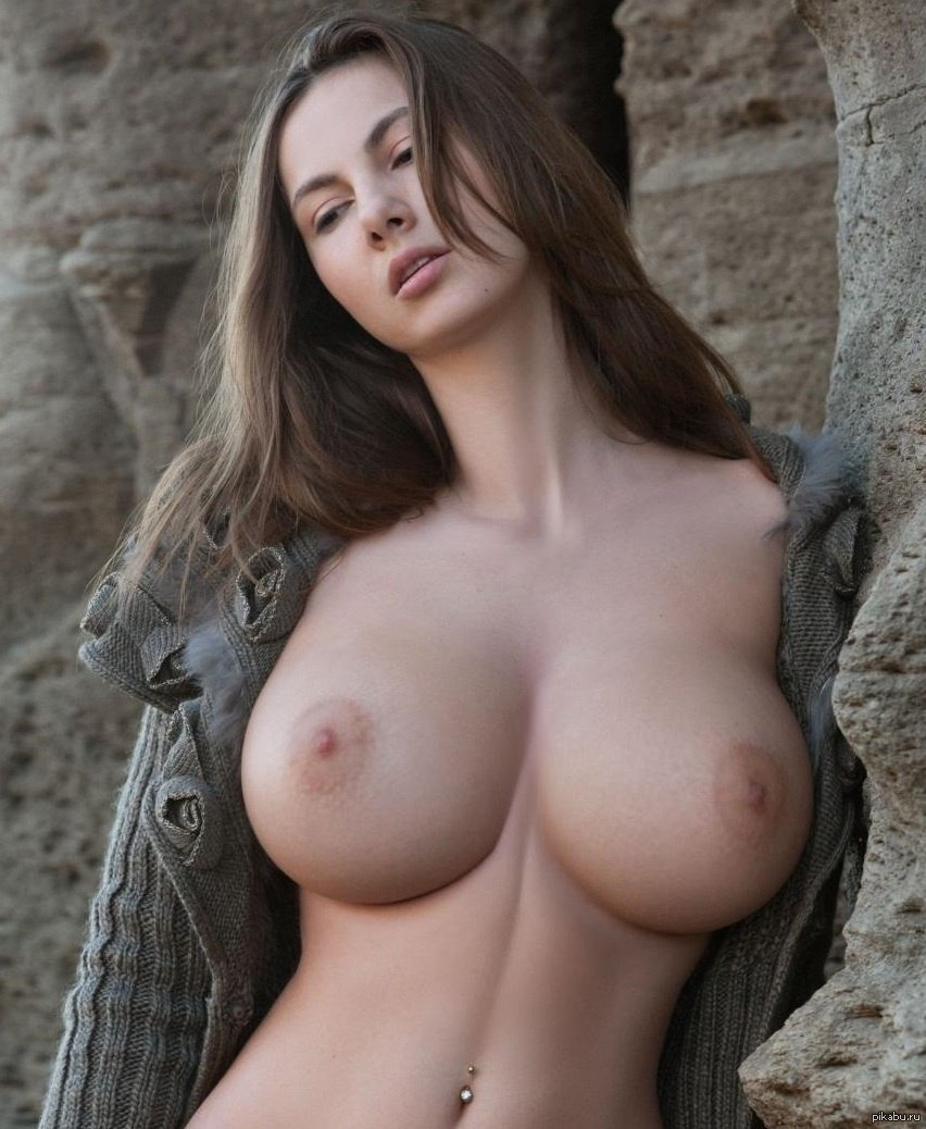 Naked Women With Big Boobs