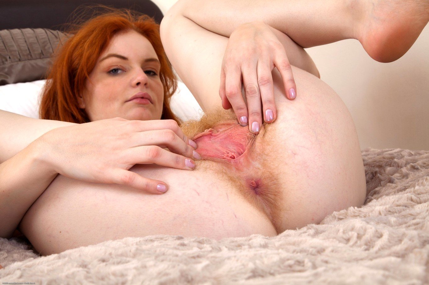 Young red pussy pics and porn images
