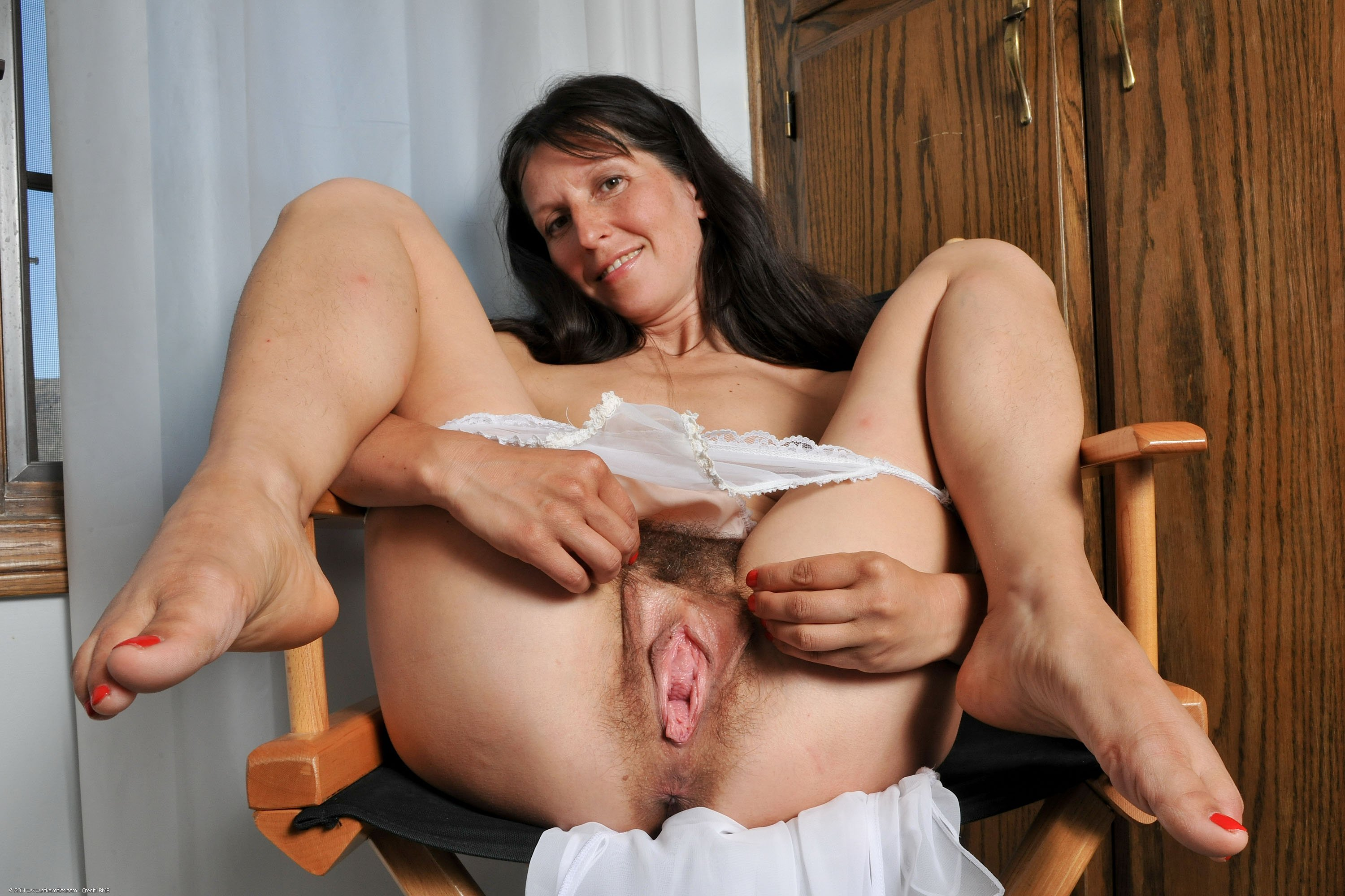 Mom Shows Me Her Pussy Mature Sex