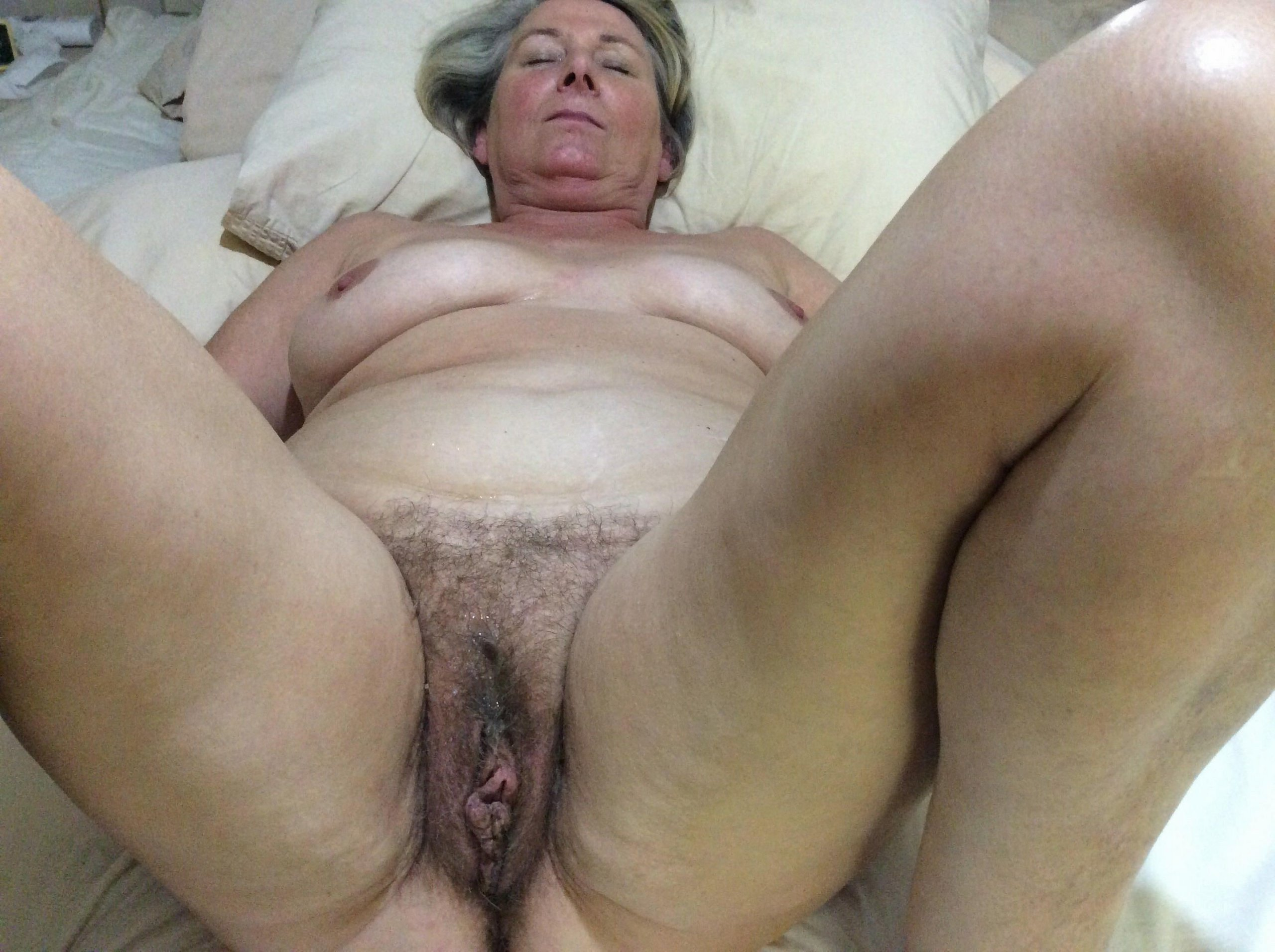 Old Pussy Pics, Mature Pussy Galleries, Granny Pussy Pictures