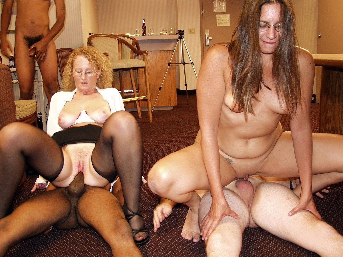 Mom and daughter are whores together